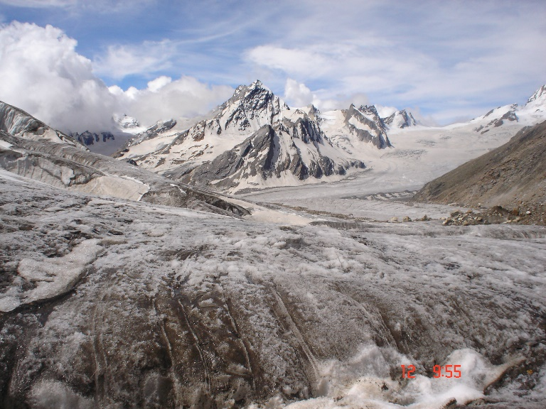 Khatling Glacier: Khatling Glacier - © deepak kalappa flickr user