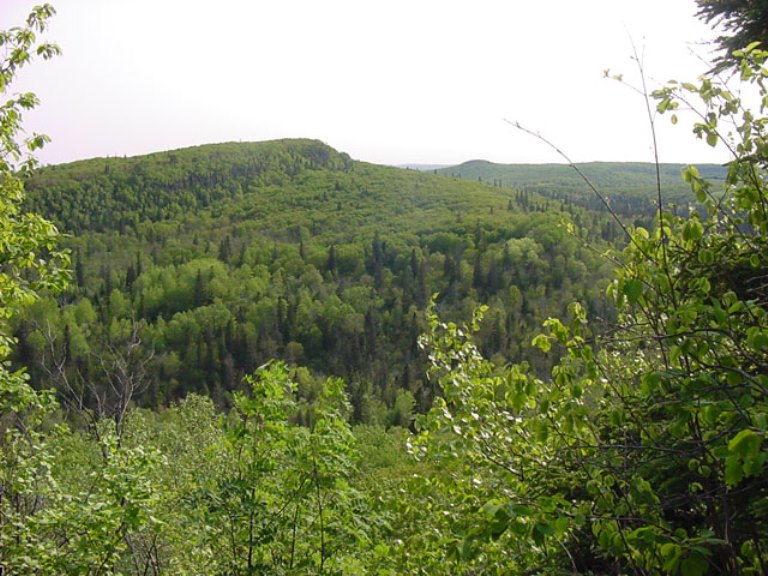 Superior Hiking Trail : Superior Hiking Trail - ©  Aaron Landry flickr user