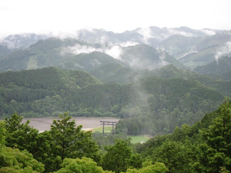 Japan Kansai: Kii Peninsula, Nakahechi Trail , Hongu Torii gate on classic misty day , Walkopedia