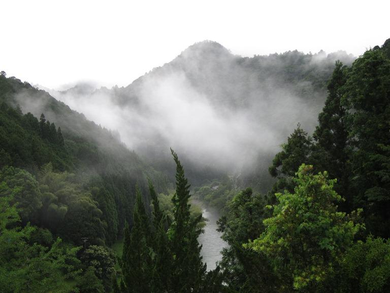 Japan Kansai: Kii Peninsula, Nakahechi Trail , Yunomine valley from room , Walkopedia
