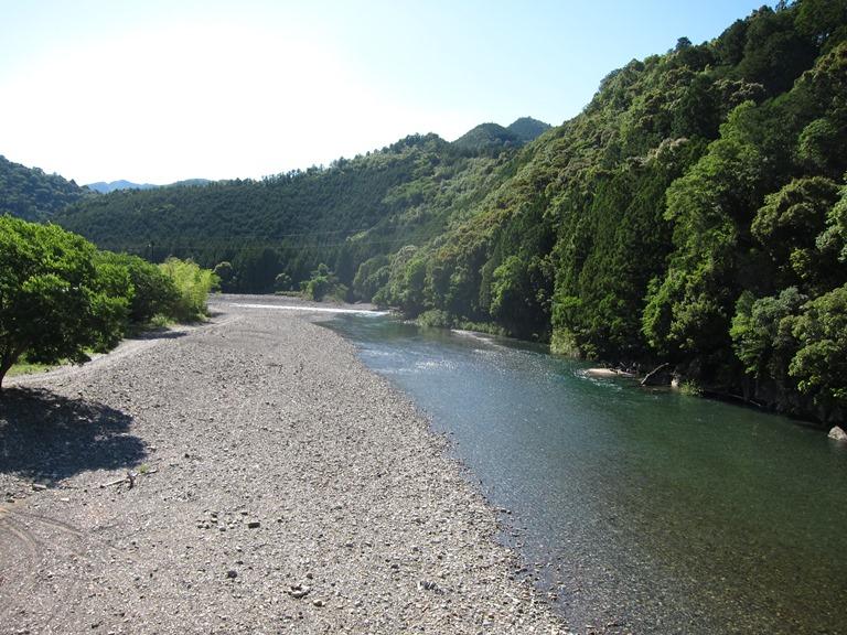 Japan Kansai: Kii Peninsula, Nakahechi Trail , River at Kogichi , Walkopedia