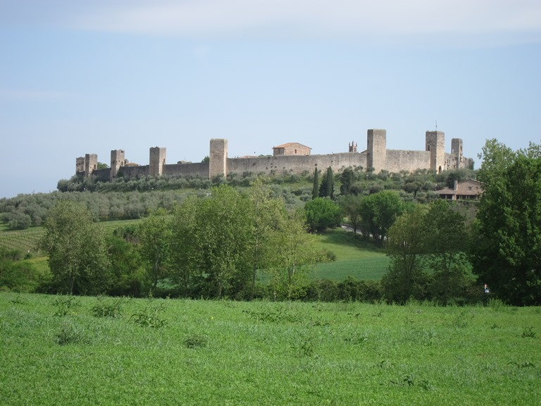 Via Francigena; San Gimignano to Montalcino: Montegirrione from VF to south  - © William Mackesy