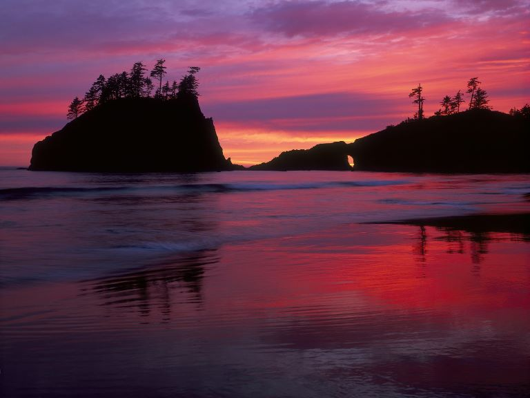 USA North-west/Olympic NP, Second Beach, Dramatic Sunset at Second Beach, Olympic National Park, Washington , Walkopedia