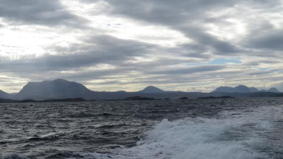 United Kingdom Scotland NW Highlands Assynt, Assynt Peninsula, Assynt from the sea, north, Walkopedia