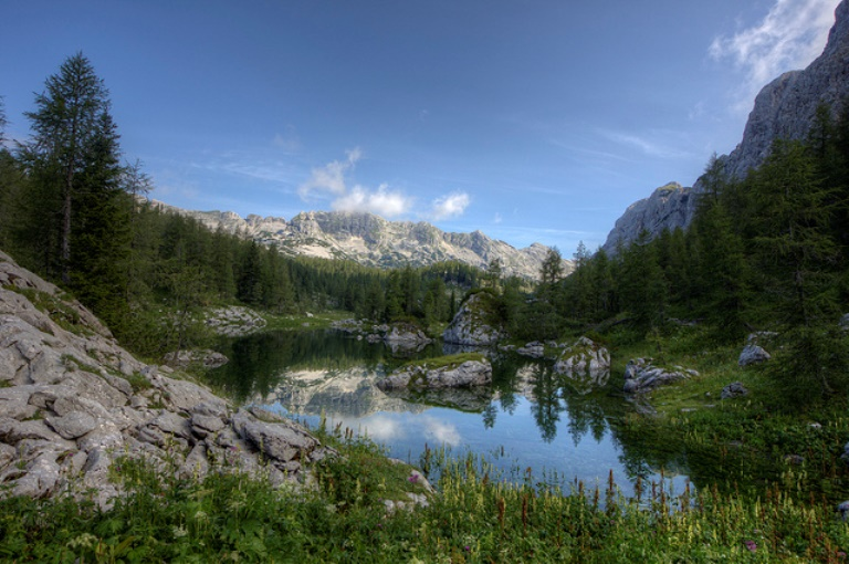 Triglav Lakes Valley: Triglav Lake - © Flickr user: Vida Dimonvska...