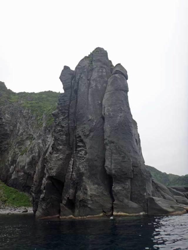 East Hokkaido Shiretoko cliffs - © Walk Japan