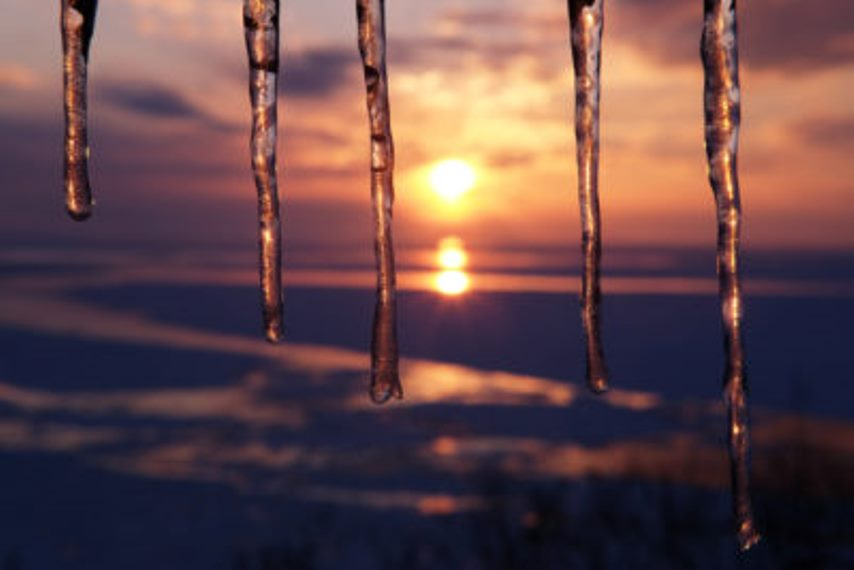 Utoro sunset icicles - © Walk Japan