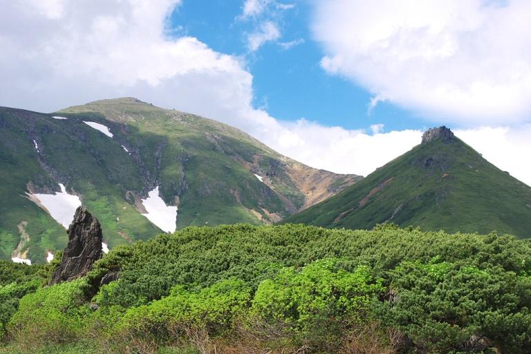 Daisetsuzan Peaks  - © flickr user- Mikael Leppa