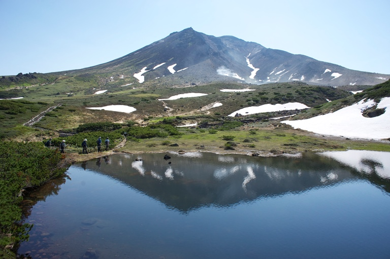 Mt. Asahidake View from Mt.Hokkai - © Walk Japan