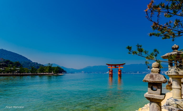 Itsukushima Shrine - ©  Floyd Manzano flickr user