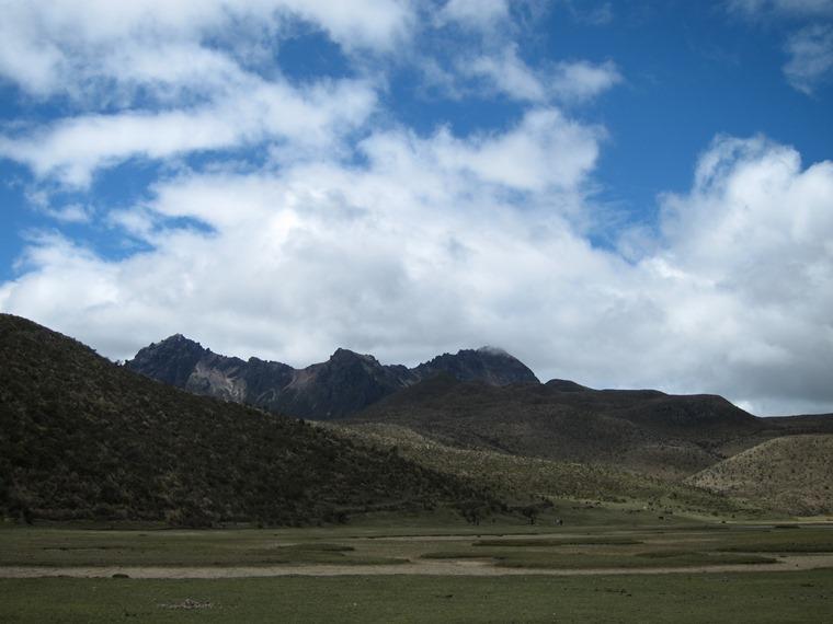 Cerro Ruminahui: From Lag Limpiopunga - © William Mackesy