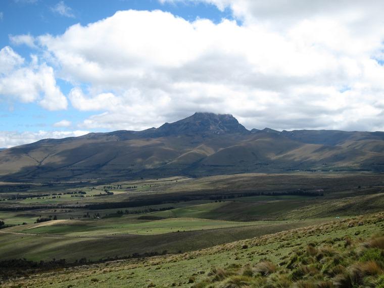 Cerro Ruminahui: Sincholahua from Ruminahui flank - © William Mackesy