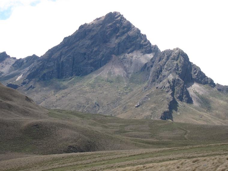 Cerro Ruminahui: Ruminahui from eastern flanks - © William Mackesy