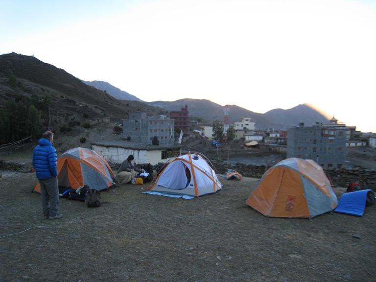 Nepal Annapurna & Mustang Region, Muktinath / Jomsom Trek, Unlovely Muktinath village, Walkopedia
