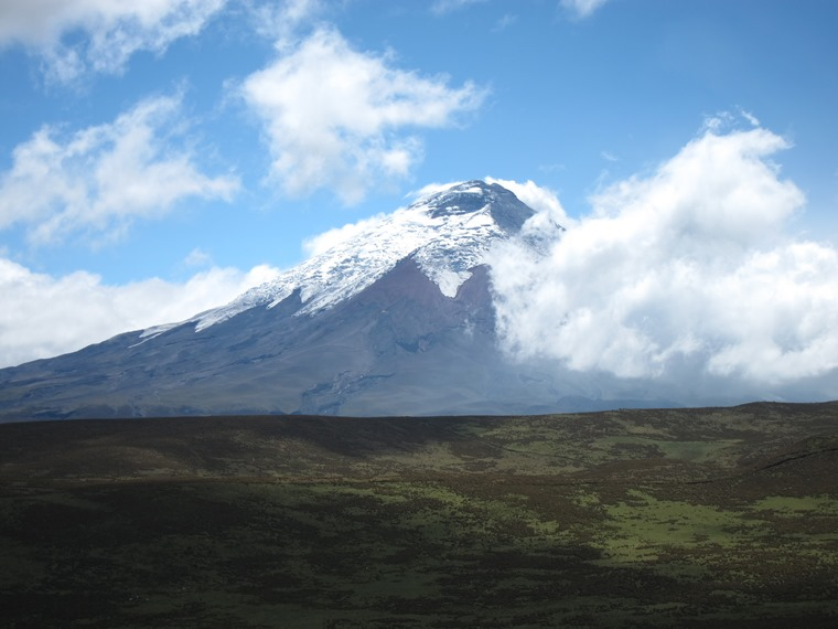 Cotopaxi behind Ruminahui ridge - © William Mackesy