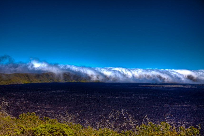 Sierra Negra caldera with rolling mist - © Flickr User - Peri Apex...