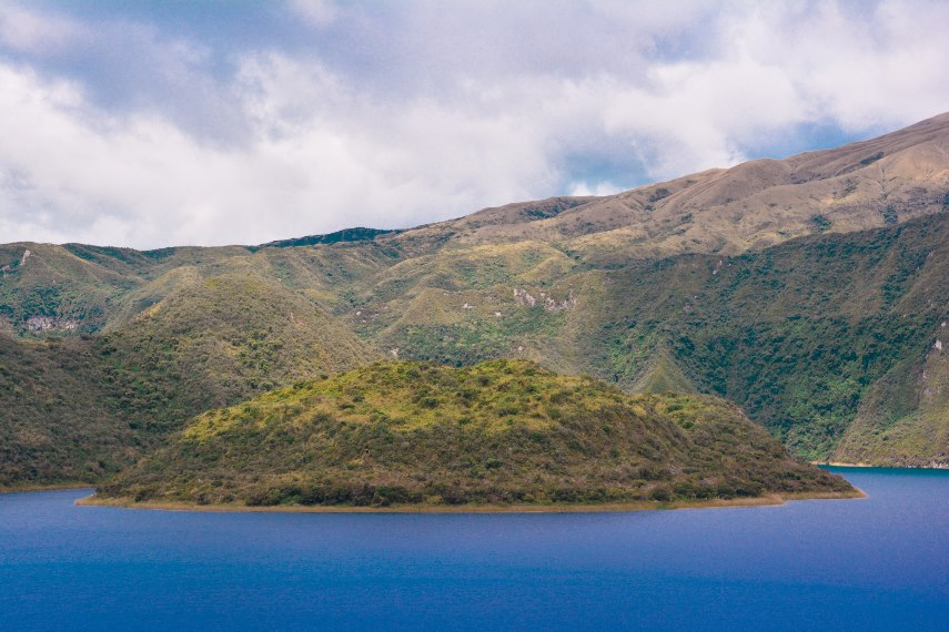 Ecuador Northern Andes: Otavalo Area, Laguna de Cuicocha and Cerro Cotatachi, Laguna de Cuicocha, Walkopedia