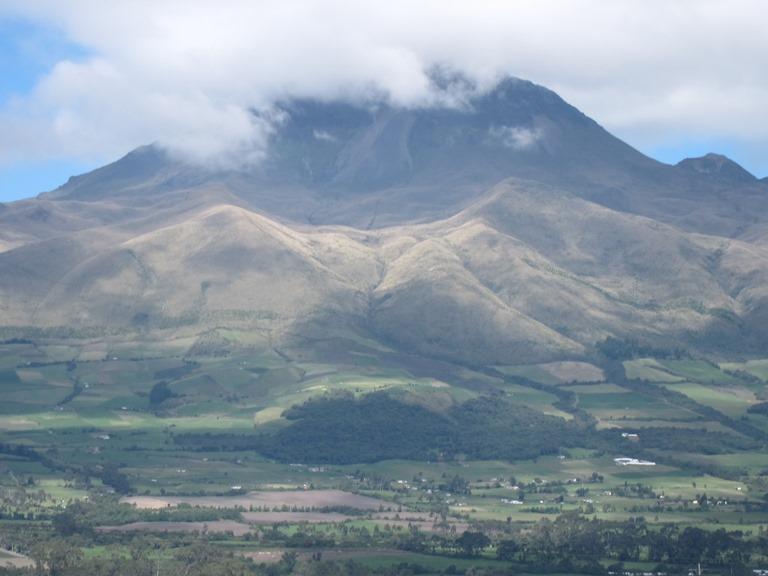 Ecuador Central Andes, Avenue of the Volcanoes, El Corazon from Panamericano, Walkopedia