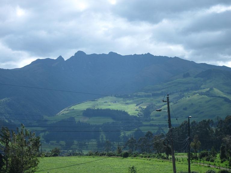 Ecuador Central Andes, Avenue of the Volcanoes, Atacazo , Walkopedia