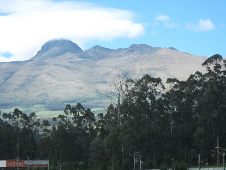 Ecuador Central Andes, Avenue of the Volcanoes, Ecuador Pasochoa, Walkopedia