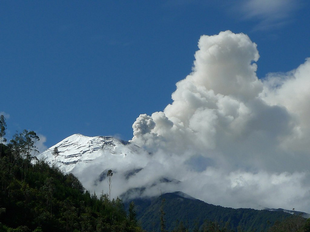 Banos Area : Tungurahua - © Flickr User - Warren Talbot