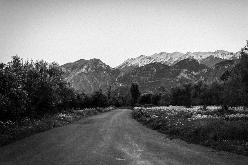 Country road, Taygetus - © Flickr user - Chris Christodoulou...