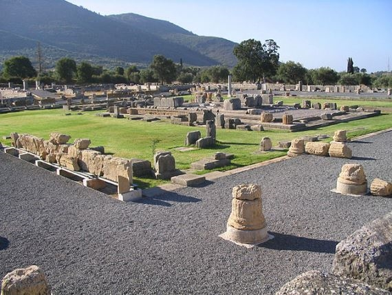 Ancient Messene: View of the Ancient Asclepeion - © Wiki user - Rossignol Benoit
