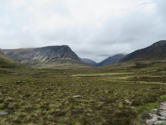 "Upper Dee Valley: Devil""s Point and Lairig Ghru - © William Mackesy"