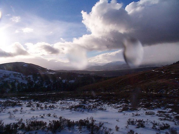 Upper Dee Valley: Descending Cairngorms - © Flickr user CaptainOates