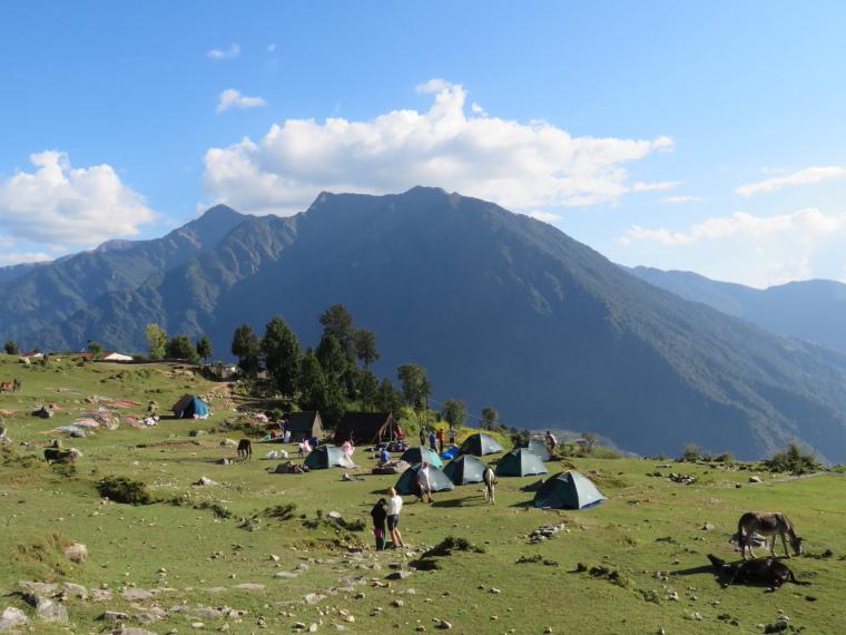 India NW: Uttarakhand, Garwhal, Kumaon Himalaya , Curzon Trail campsite, day 1, Walkopedia