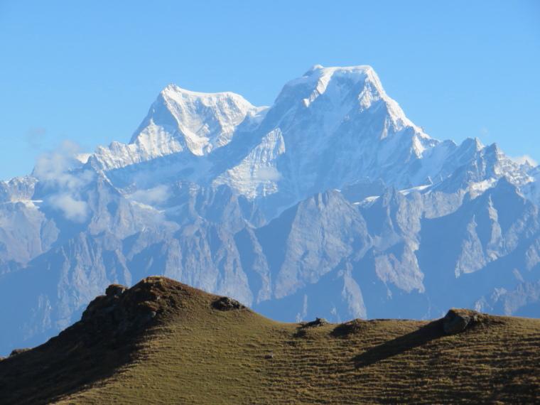 India NW: Uttarakhand, Garwhal, Kumaon Himalaya , View from Kuari pass 2, Walkopedia