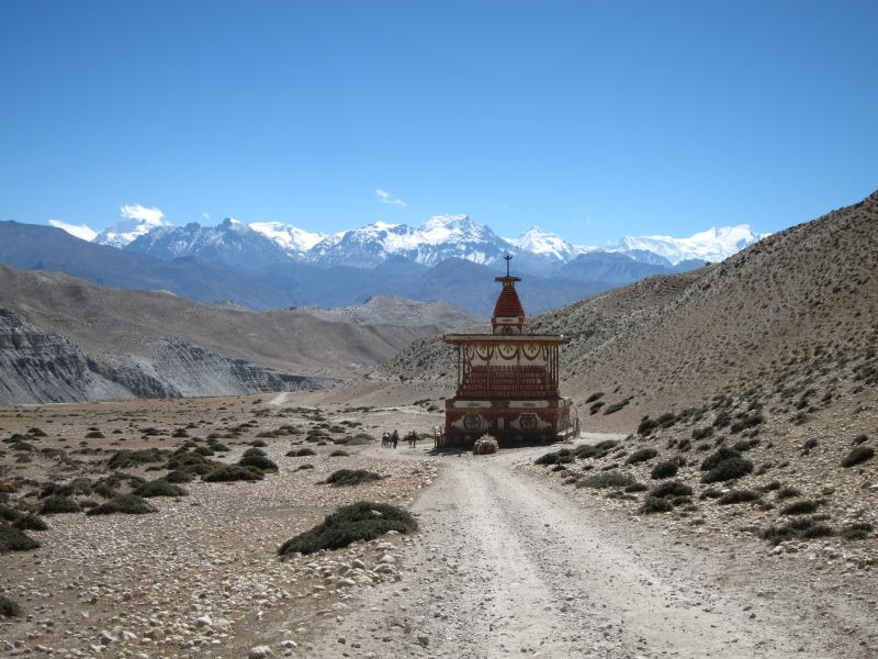 Lonely chorten - © William Mackesy