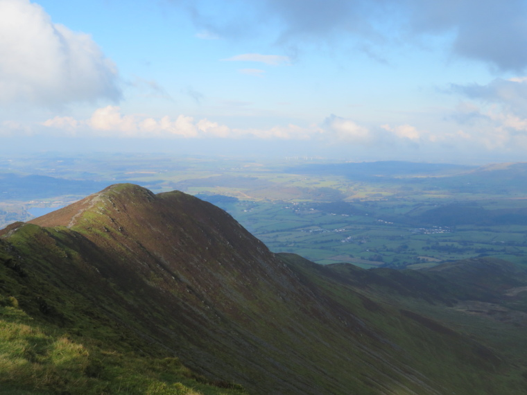 United Kingdom England Lake District, Skiddaw, Ullock Pike fm Longside Edge, Walkopedia