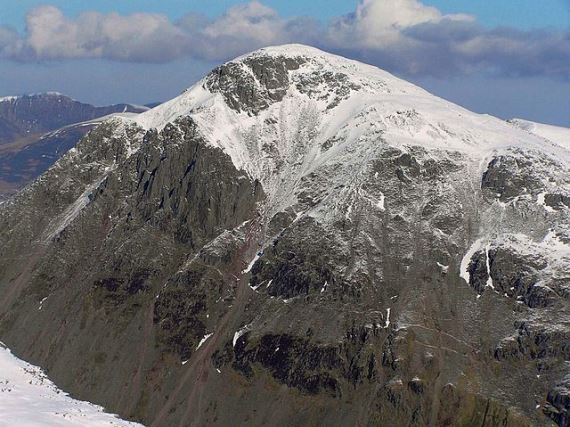 Great Gable in light snow from Scafell Pike - © Wiki user Doug Sim
