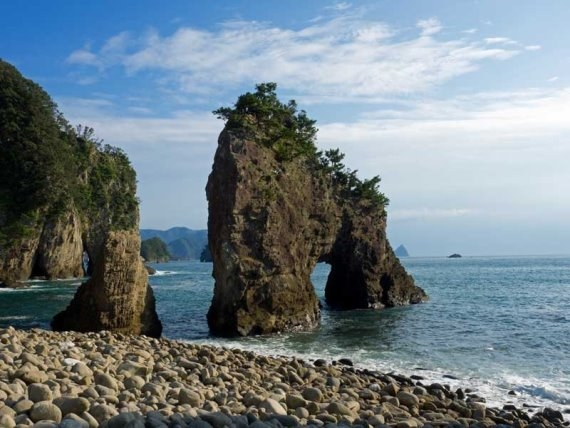 Izu Peninsula: Izu Dogashima - © Walk Japan