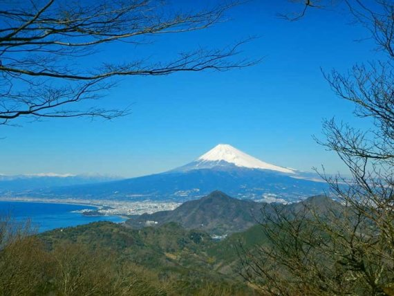 Izu Peninsula: Izu Mt. Fuji - © Walk Japan