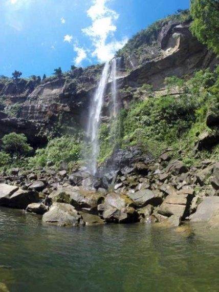 Yaeyama/ Iriomoto: Okinawa Pinaisara Falls - © Walk Japan