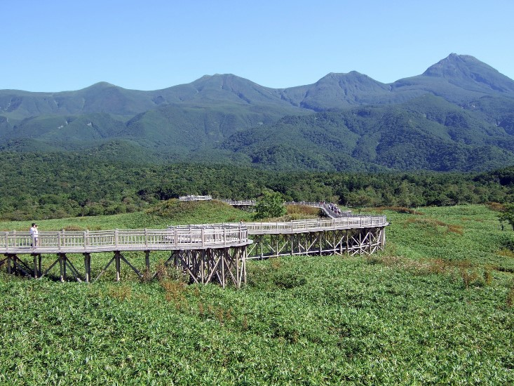 Shiretoko Peninsula : © flickr user- Hiroshi TOKUSA