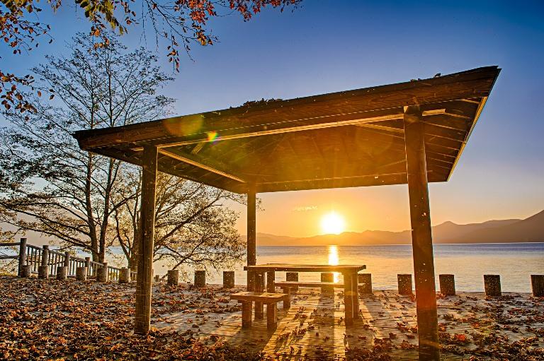 Sunset at Lake Shikotsu, Hokkaido, Japan - © flickr user- johnisi