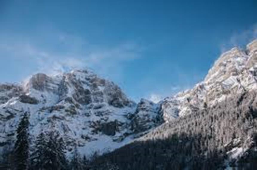 Gemmi Pass: Gemmi Daubenhorn winter  - © Luan Baruti
