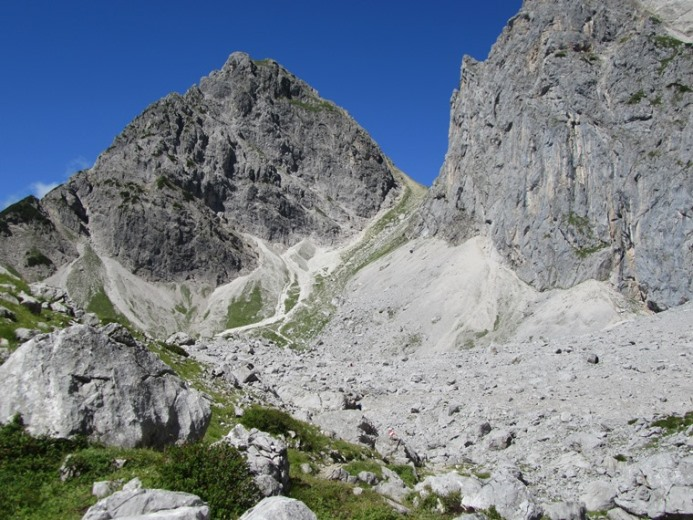 The Dachstein: Raucheck and Tor pass - © William Mackesy