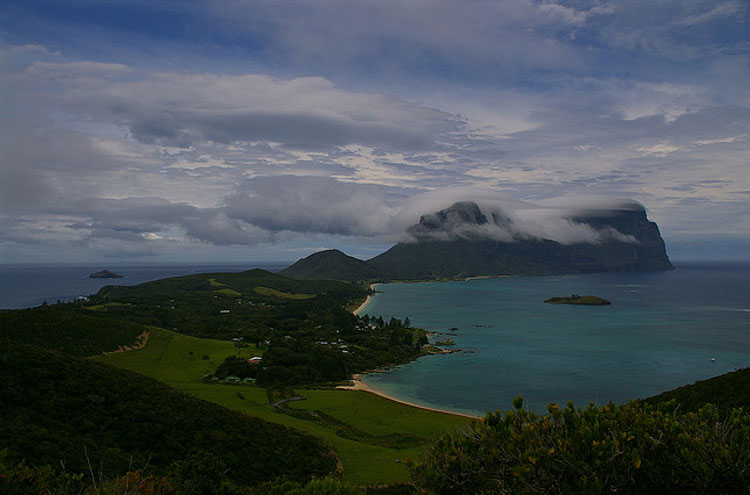 Lord Howe Island From Kim's Lookout, From Flickr user Percita