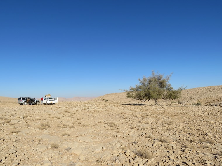 Across the Selma Pateau (E35): Campsite, high plateau, leaving - © William Mackesy