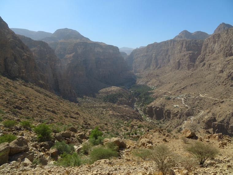 Across the Selma Pateau (E35): Wadi Tiwi - © William Mackesy