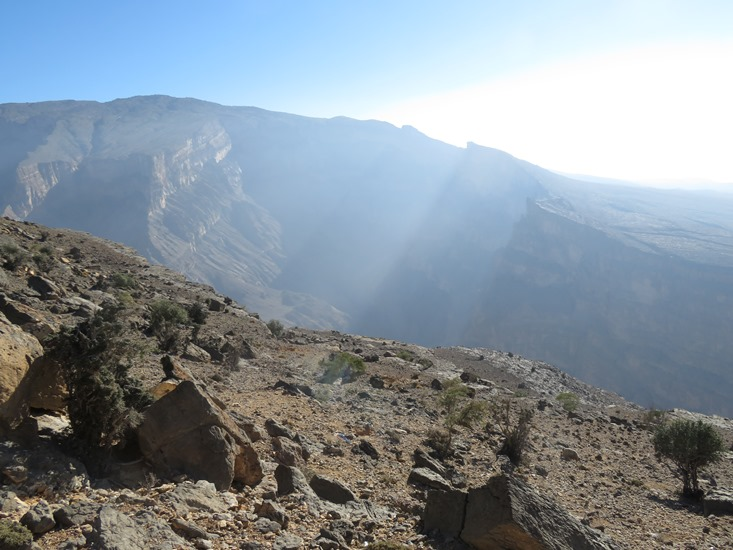 Balcony Walk, Wadi Nakhur: Jebel Shams, above Wadi Nakhur - © William Mackesy