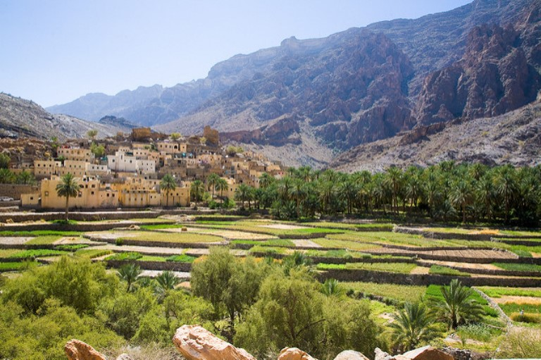 Central Akhdar routes W8, W9, W10: Mountian road form Nizwa To Wadi Bani Awf - © William Mackesy