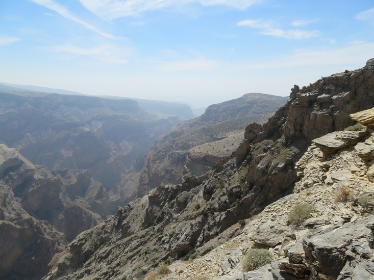 Oman Western Hajar Mts: Jebel Akhdar, Qiyut to Ar Roos Traverse , , Walkopedia