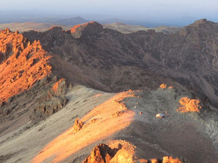Kenya Mount Kenya, Chogoria Route, South from Lenana at dawn, Austria hut, Walkopedia
