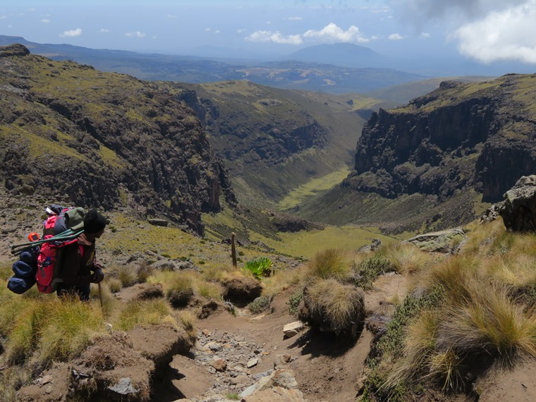 Mount Kenya: Gorges valley, first view - © William Mackesy