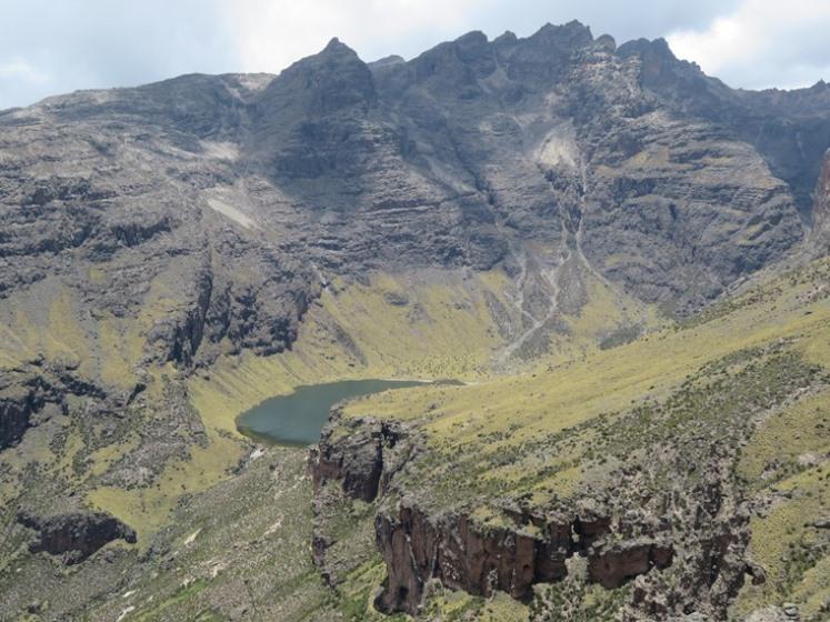 Mount Kenya: top of Gorges valley - © William Mackesy